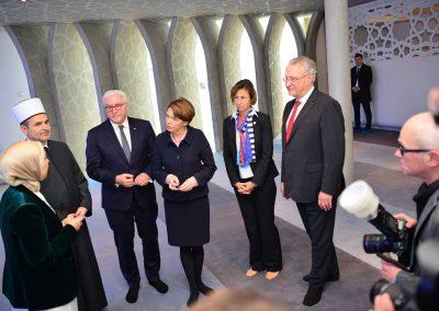Der Besuch wurde von zahlreichen Medienvertretern begleitet