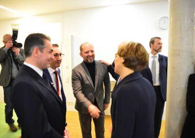 Der Architekt des Islamischen Forums begrüßt Elke Büdenbender