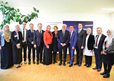 Gruppenbild mit dem Vorstand der Islamischen Gemeinde Penzberg