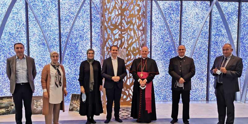 Weihbischof Dr. Dr. Anton Losinger besucht Penzberger Moschee