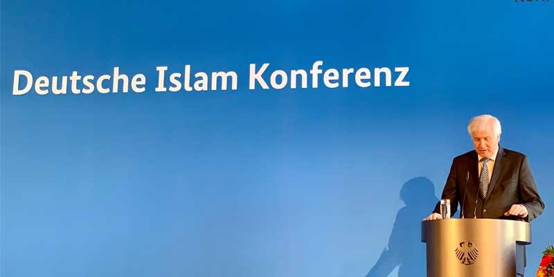Imam Idriz spricht in der Deutschen Islam Konferenz